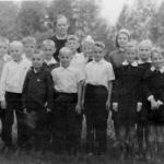 Лидия Ивановна Епифанова с учениками