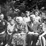 Можарова, Кригер, Баскаков с детьми.