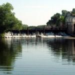 Плотина на реке