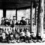 Детский сад на прогулке. 1952 г.